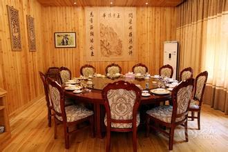 餐厅装修时桌椅的搭配