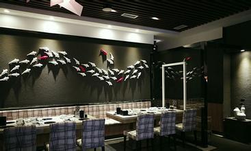 <b>让我们来看看西餐厅应该如何设计</b>
