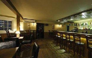 关于酒吧装修设计的灯光设计知识
