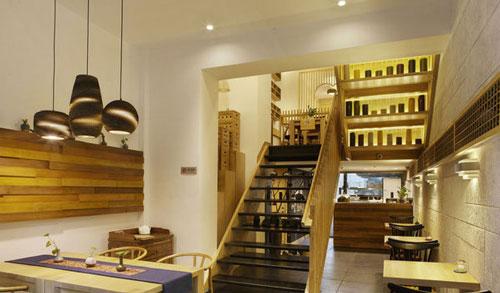 原生态餐饮店楼梯装修设计案例效果图